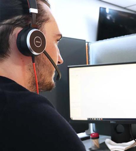 Notre téléopérateur qualifie les appels téléphonique pour nos clients