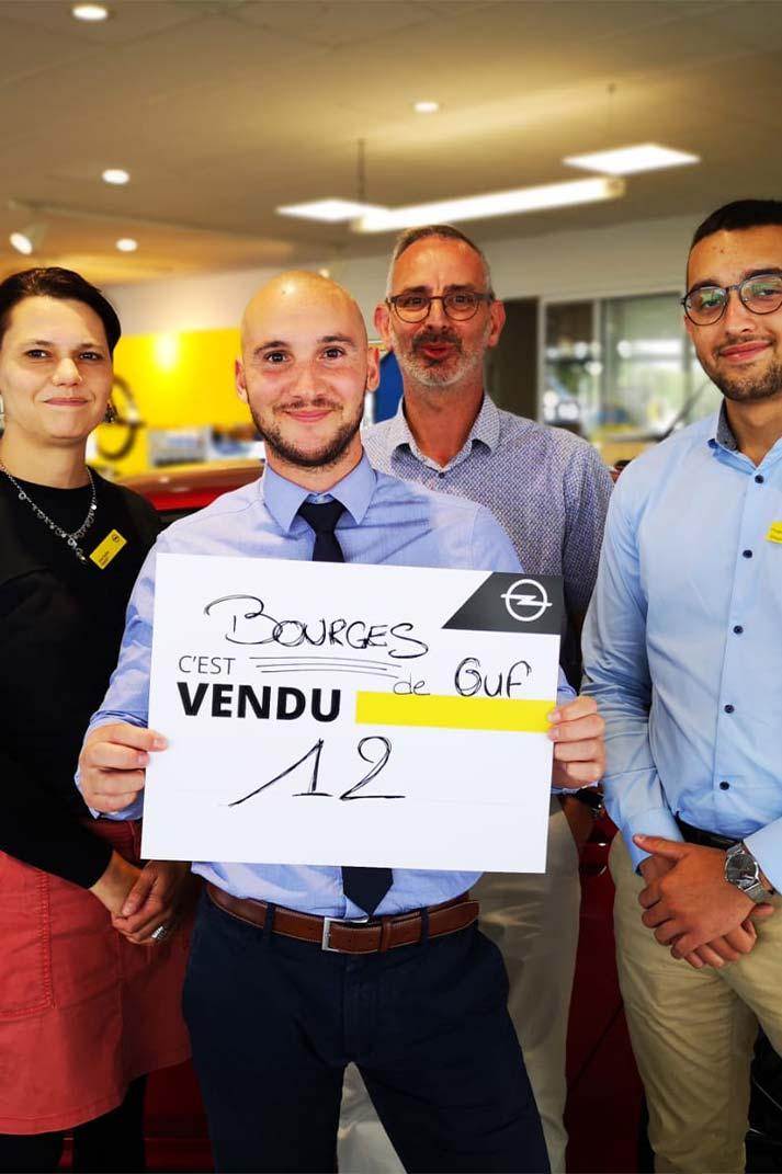 Des vendeurs ont relevé le challenge de vendre un maximum de véhicules en 1 journée