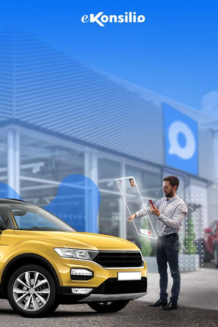 Un vendeur montre son doigt désignant une voiture à son client en visio