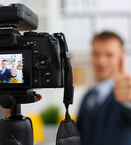 Les équipes UpYourBizz réalisent une vidéo pour préparer les vendeurs au BFA