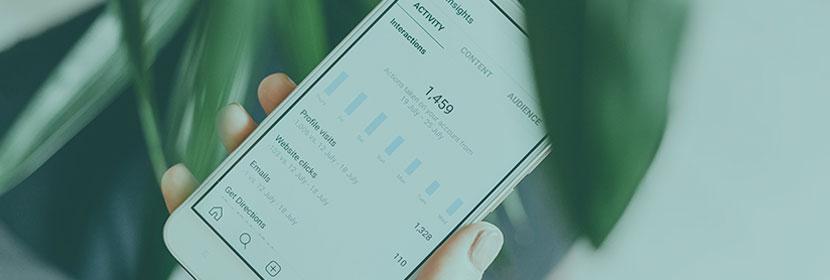 Consultation des statistiques Facebook sur smartphone