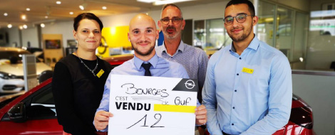 L'équipe de la concession Opel à bourges à fait 12 ventes
